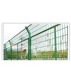 供应公路护栏网多少钱,公路护栏网怎么卖的