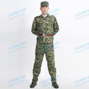 供应大连新生军训服装服饰,迷彩服供应,可免费发放