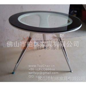 供应白色的玻璃钢餐桌(900直径)