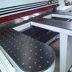 供应自动开料机高效开料自动完成板材锯切