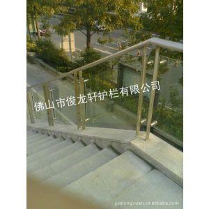 供应热镀锌钢材栅栏、阳台、楼梯护栏及百叶窗和公路护栏