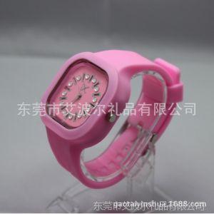 供应镶钻方形LED夜光果冻手表  5ATM  透明塑胶表壳 欢迎来电咨询