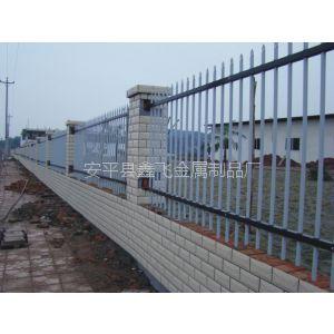 供应济南铁艺护栏多少钱一米 锌钢栅栏 防腐蚀院墙 喷涂护栏