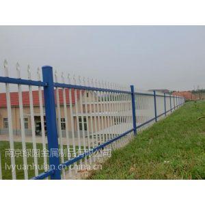 供应热镀锌钢喷塑护栏阳台护栏围墙护栏防锈围栏楼盘百叶窗