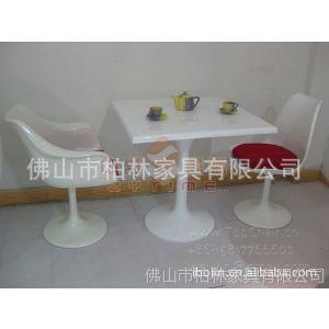 供应广东高质量的玻璃钢餐桌,便宜漂亮,耐用的玻璃钢方桌