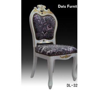 供应优质裂纹漆椅子,欧式餐椅,酒店实木桌椅,宴会家具