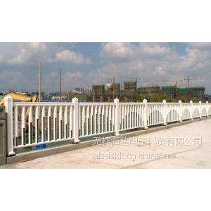 供应河南优质喷塑护栏,喷涂护栏,铁艺护栏,热镀锌护栏供应商