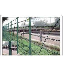 供应上海护栏网/上海热镀锌护栏网/上海围栏网