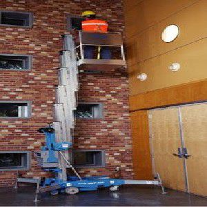 供应白云人和单桅杆升降机出租,白云人和高空作业车租赁