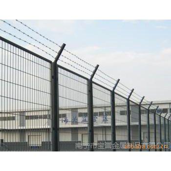 供应优质勾花网,广西勾花网,体育场勾花网
