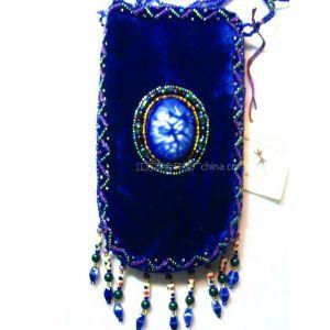 供应手工绒布珠绣手机袋