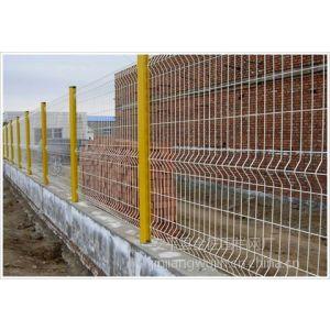 供应桃型柱护栏网厂家、草坪围栏网价格、庭院隔离栅定做