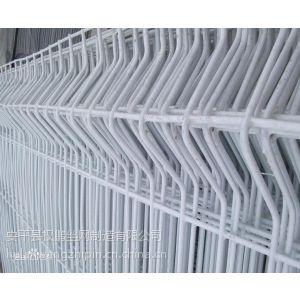 供应热镀锌三角折弯护栏网丨热镀锌三角折弯护栏网质量证书丨热镀锌三角折弯护栏网特性