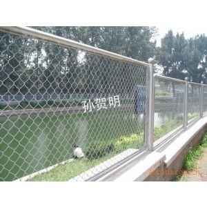 供应铁艺护栏网,高速公路护栏网、