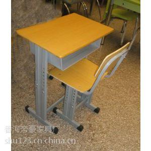 供应香河家具厂低价定做课桌椅学校家具