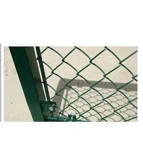 供应体育场围栏网 体育场护栏网 体育场防护网 体育场封闭网 勾花网护栏网