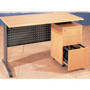 供应供应电脑桌椅 办公室电脑桌椅 学校机房电脑桌椅