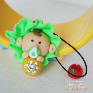 供应【辽宁丽缘软陶】卡通奶娃娃手机挂件 手机娃娃饰品
