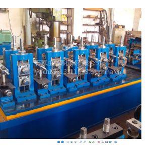 钢管制管机