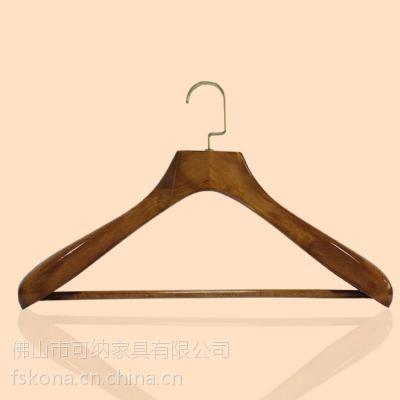 大型木衣架厂批发销售时装展示圆棍底线大扁钩榉木西装衣架