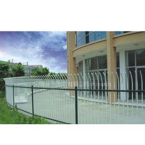 供应新型锌钢阳台护栏 防护窗 楼梯扶手 栅栏 花园围栏 空调围栏 百叶窗
