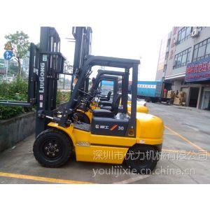 供应机动叉车、内燃平衡重叉车、专业用于货物搬运、堆高、摆放、转移、上下车。