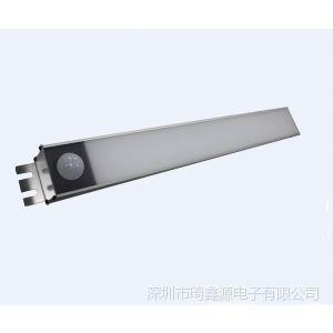 供应新款LED车库灯8W 新型LED感应灯8W LED人体感应灯8W