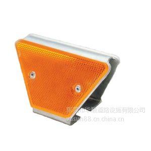 供应厂家直销优质公路铸铝道钉、反光标、道路轮廓标、道路交通设施