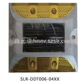 供应供应各种型号的LED太阳能道钉