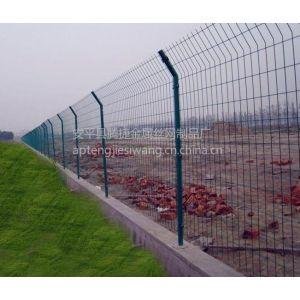 中山围山围栏网|绿色涂塑铁丝围网|焊接金属护栏网厂家