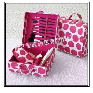 青岛化妆包、洗漱包厂家 旅行化妆包定做加工 牛津布化妆包工厂定购lw12