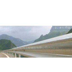 供应旭瑞护栏支架适合大中型新型公路专用的PVC新型铸铁护栏支架