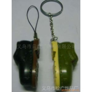 供应树脂皮鞋钥匙扣 树脂卡通公仔钥匙扣 树脂工艺品钥匙扣