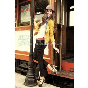 供应【迪薇娜品牌折扣女装】——个性风格的典范、自信女人的选择