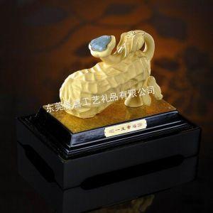 供应绒沙金家居工艺品 一生幸福婚庆礼物摆件 黄金结婚礼品创意个性