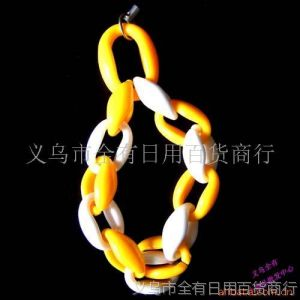 供应牙扣手链式挂件、精品、一元两元小商品等(图)