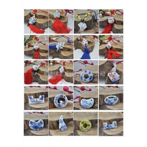 供应小饰品批发厂,景德镇陶瓷挂件,青花小花瓶,定做陶瓷花瓶,工艺礼品