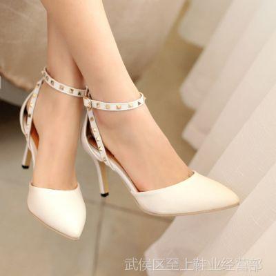 供应批发女士凉鞋新款女人味镂空尖头包头细跟铆钉欧美粉色高跟鞋8cm