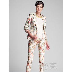 供应专柜款V-M复古花朵印花休闲西服小西装厂家热销质量保证