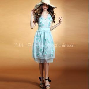 供应春季新款女装重工绣花V领真丝连衣裙