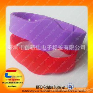 供应NFC硅胶腕带 智能硅胶手腕带 深圳RFID手腕带厂 游泳池防水腕带