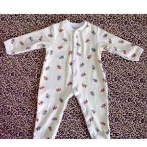 供应供应批发婴幼儿纯棉连体衣爬行服 可订做