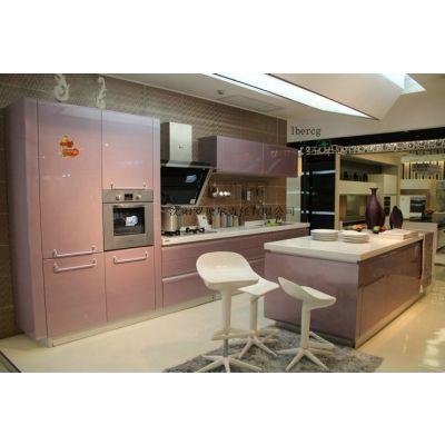 沈阳罗贝尔橱柜门板厂是一家实中大型企业,集研发,生产,销售于一体的橱柜门板公司
