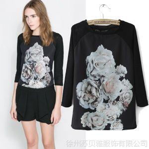 供应2014春季新款欧美同款 时尚圆领长袖花朵印花拼接女式T恤打底衫女