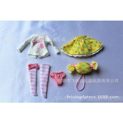 美国女孩娃娃搪胶娃娃衣服套装包括衣服 裙子 袜子内裤糖果包