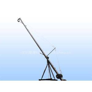 供应三角形10米电控大摇臂摄像摇臂