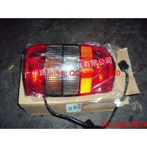 供应开拓者2.4大灯,尾灯,机盖等汽车配件