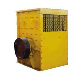 供应加强型箱式重锤破碎机衬板加厚有效延长了设备寿命