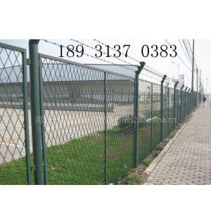 供应湖北高铁护栏网防护网-唐山热镀锌浸塑护栏网规格防护网
