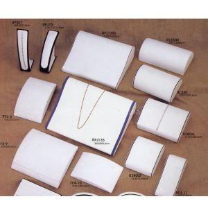 供应批发高档项链展示架项链首饰架人像项链架高档白皮挂件架饰品架